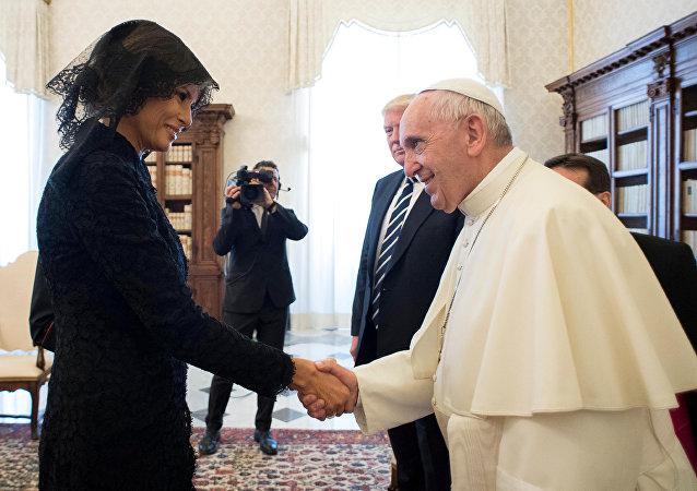 Melania Trump-Papa Francis