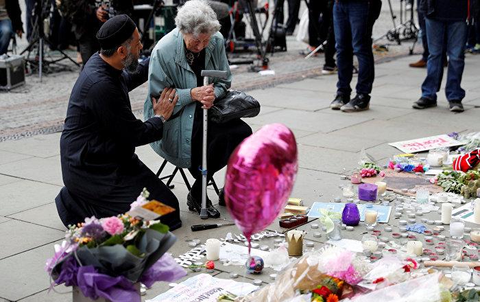Manchester saldırısında ölenler anıldı / Renee Rachel Black - Sadık Patel