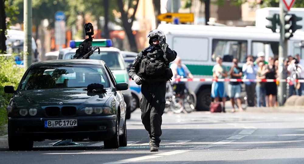 Berlin'de bomba alarmı