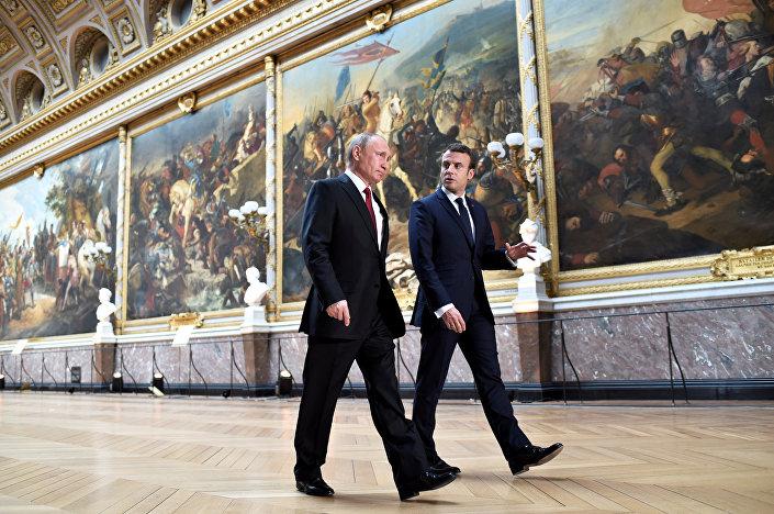 Rusya Devlet Başkanı Vladimir Putin ve Fransa Cumhurbaşkanı Emmanuel Macron, Versailles Sarayı'nda