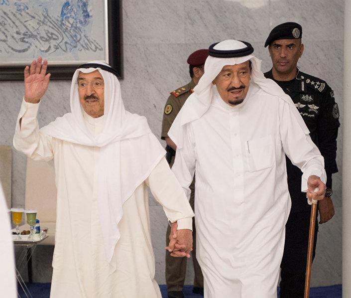 Bu arada arabulucu rolündeki Kuveyt Emiri Şeyh Sabah el Ahmed el Cabir es Sabah, Suudi Arabistan'a gerçekleştirdiği günübirlik ziyaretinde Kral Selman bin Abdulaziz ile Cidde'de bir araya geldi.