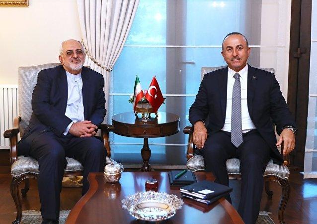 İran Dışişleri Bakanı Cevad Zarif ile Dışişleri Bakanı Mevlüt Çavuşoğlu