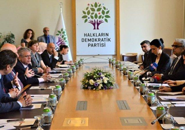 AGİT-PA heyeti, CHP ve HDP ile OHAL'i görüştü