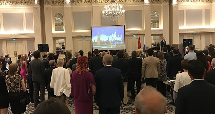 Rusya Milli Günü resepsiyonu Rusya ve Türkiye'nin milli marşlarıyla başladı.