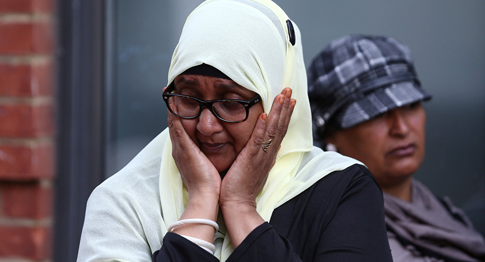 Müslümanlar, Londra'daki yangından onlarca insanı kurtardı