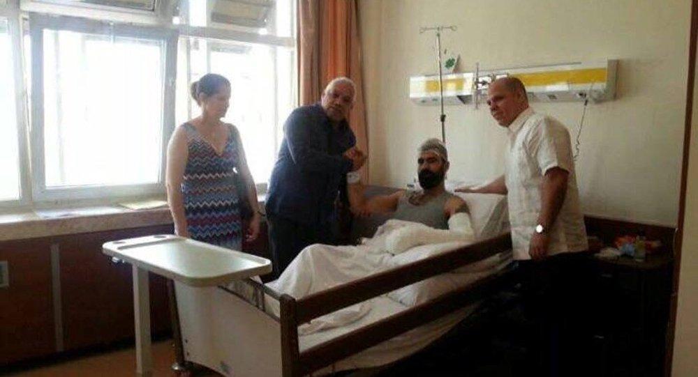 Küba Büyükelçisi Alberto Gonzalez Casals, Murat Özdemir'i hastanede ziyaret etti.