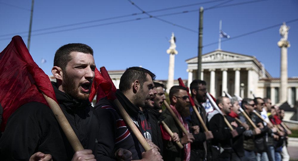 Yunan askerlerden NATO tatbikatına tepki