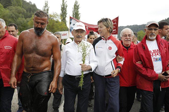 Sporcular Adalet Yürüyüşü'ne destek verdi