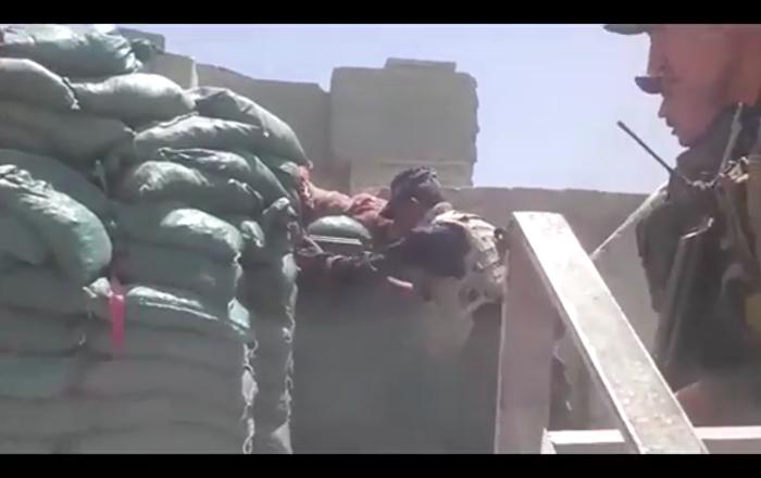 Irak federal polisi, IŞİD'in Musul'daki mevzilerine saldırıyor