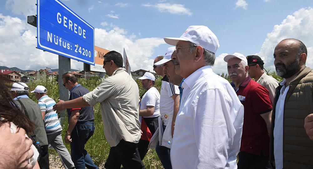Kılıçdaroğlu, Adalet Yürüyüşü'nde Bolu Gerede'ye ulaştı.