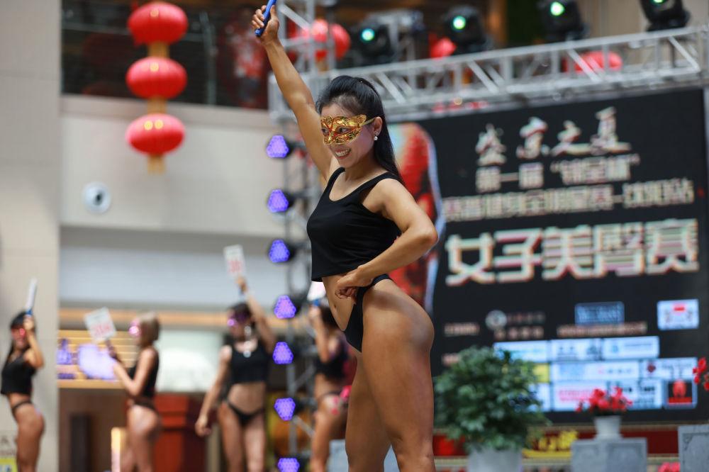 Çin'de en güzel kalçalı kadın yarışması