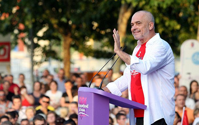 Arnavutluk Başbakanı Rama Düzen ve refah isteyen Arnavutluk kazandı