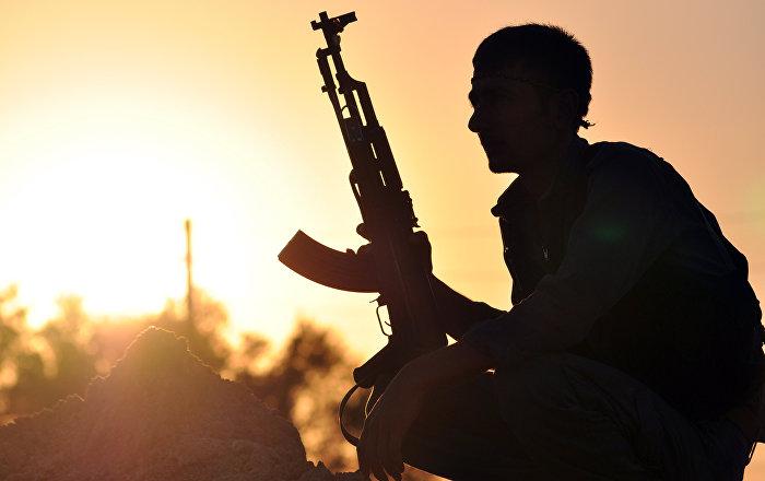 AA: Fransız askerlerinden YPG'ye topçu desteği