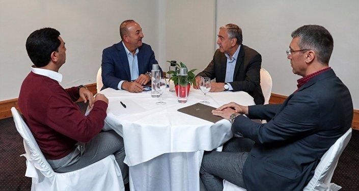 Selim Sayarı: Federal bir Kıbrıs'ın yolu açılabilir 3