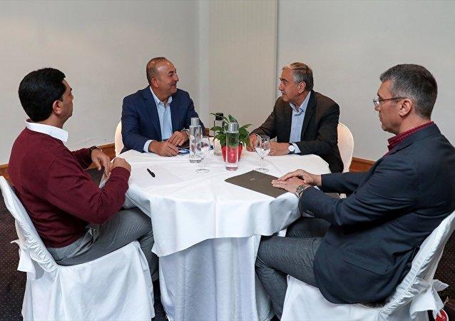Dışişleri Bakanı Mevlüt Çavuşoğlu ve Kuzey Kıbrıs lideri Mustafa Akıncı