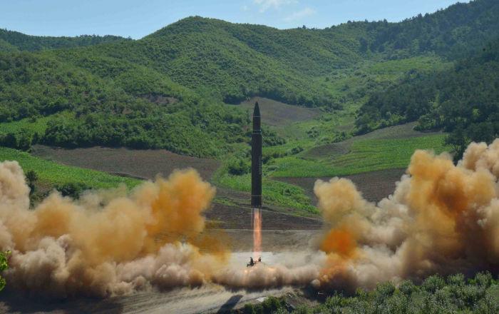 Kuzey Kore'nin kıtalararası balistik füze denemesi başarılı oldu