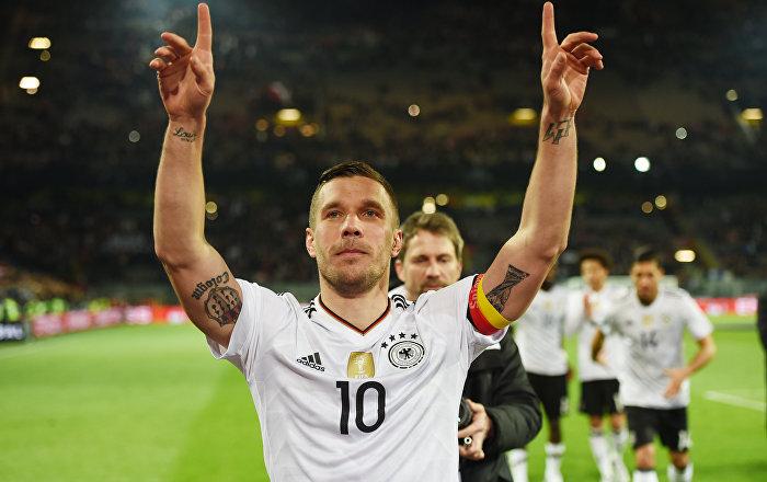 Podolski'nin fotoğrafını 'sığınmacı' haberinde kullandılar