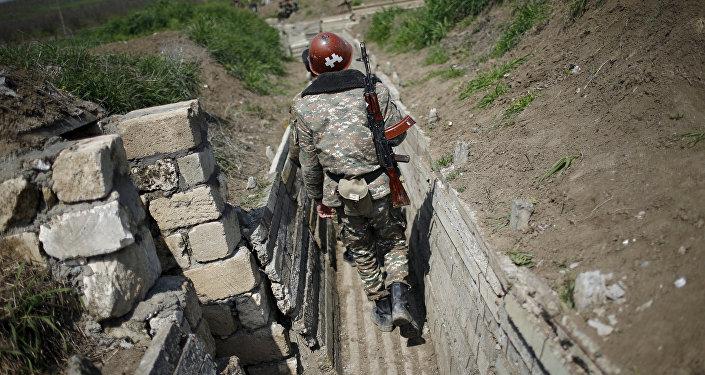 Azerbaycan Dağlık Karabağda Ermenistan ordusunu vurdu