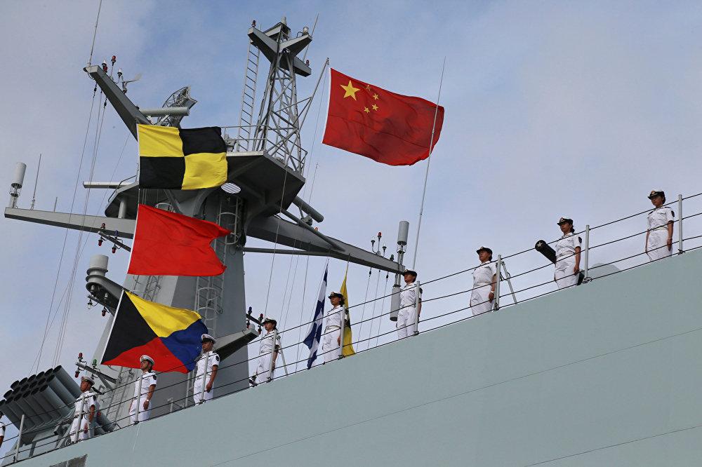 Çin ordu personelini taşıyan gemiler Çin'in bir denizaşırı ülkede kuracağı ilk askeri üs için Zhanjiang kentinden Cibuti'ye doğru yola çıktı. Afrika Boynuzu'nda Etiyopya, Eritre ve Somali ile komşu olan Cibuti, Kızıldeniz'in güney girişinde stratejik bir konumda yer alıyor.