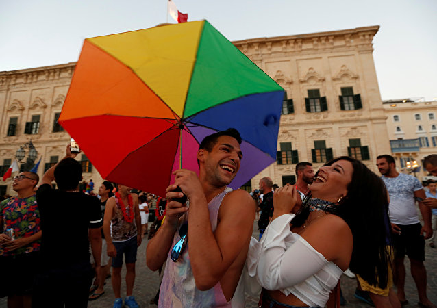 Malta'da eşcinsel evliliğe izin