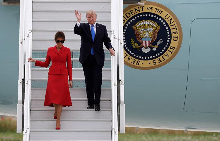 ABD Başkanı Donald Trump ile eşi Melania Trump, Paris'te