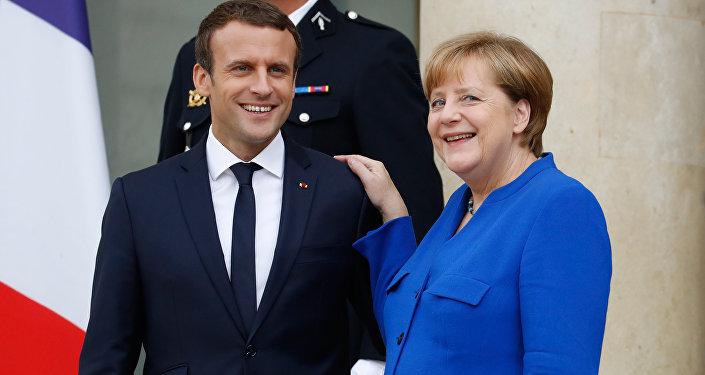 Fransa Cumhurbaşkanı Emmanuel Macron, Almanya Başbakanı Angela Merkel