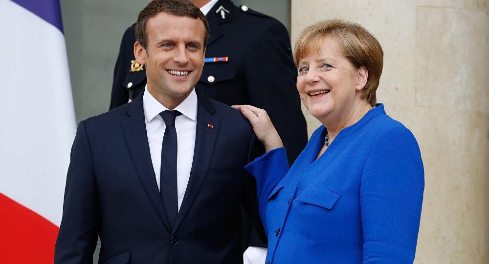 Macron'un Almanya Şansölyesi Merkel ile ilgili görsel sonucu
