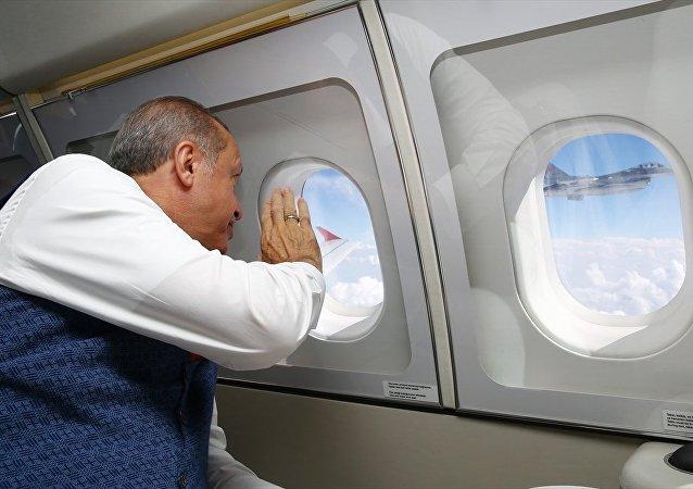 Cumhurbaşkanı Recep Tayyip Erdoğan 15 Temmuz etkinliklerine katılmak üzere İstanbul'a geliyor.
