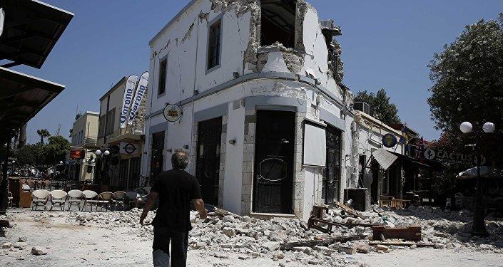Ege'de merkez üssü Kos adası açıkları olan 6.6 büyüklüğündeki deprem meydana geldi