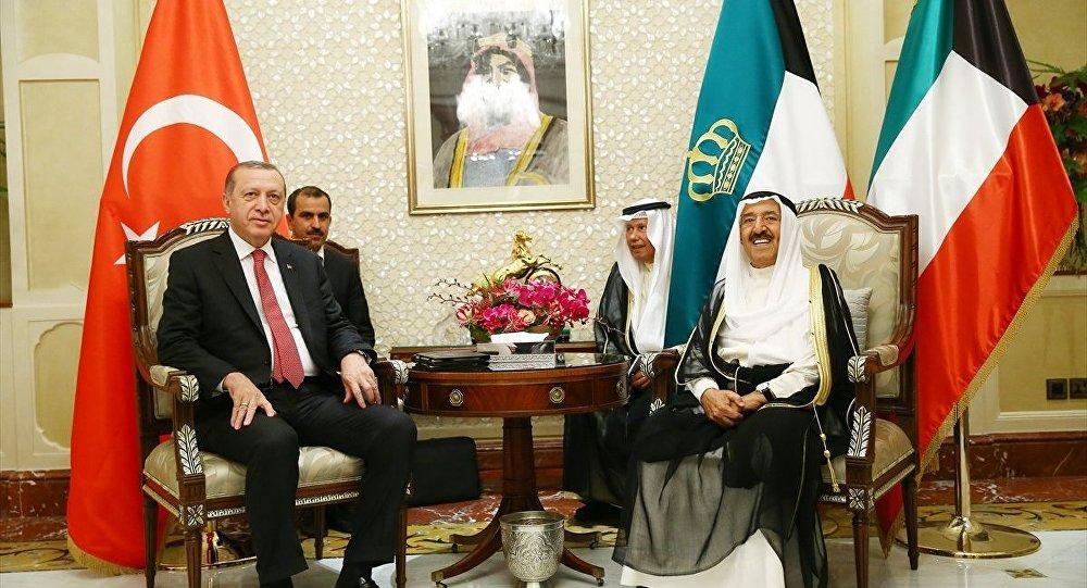 Türkiye Cumhurbaşkanı Recep Tayyip Erdoğan ve Kuveyt Emiri Şeyh Sabah el-Ahmed el-Cabir es-Sabah