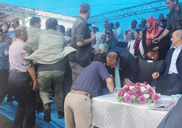 Ordu'da 'protokol' kavgası: Kurtulmuş ezilme tehlikesi atlattı
