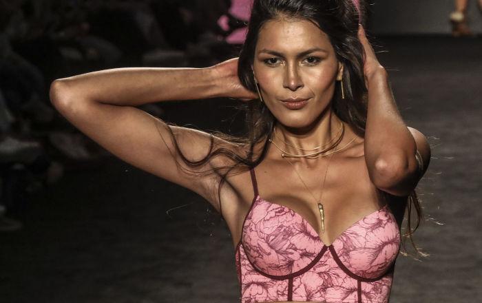 Kolombiya'da, 25-27 Temmuz günleri, Medellin Moda Haftası (Medellin's Fashion Week) yapılıyor.