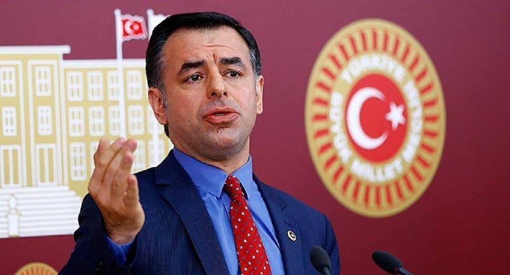 CHP İstanbul Milletvekili Barış Yarkadaş