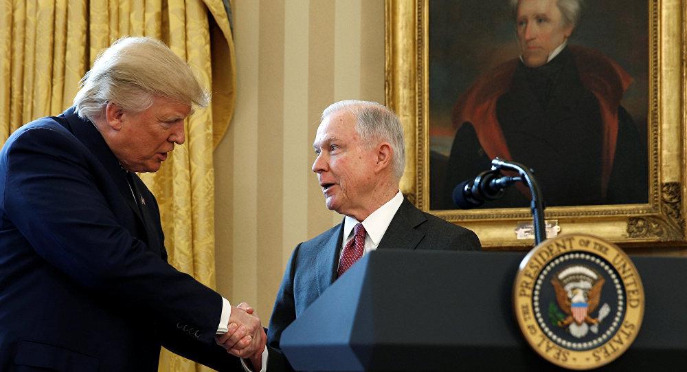 ABD Başkanı Donald Trump ile ABD Adalet Bakanı Jeff Sessions