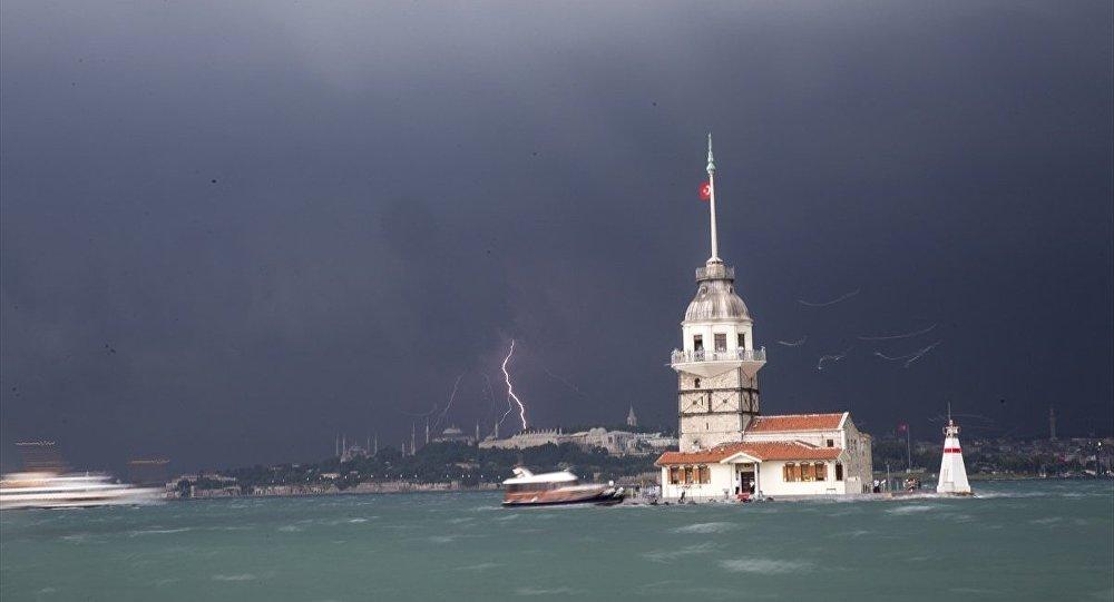 İstanbul'da şiddetli sağanak - fırtına - yağmur
