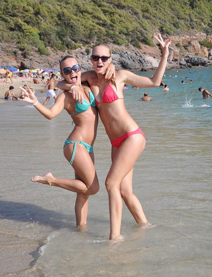 Antalya'yı ziyaret eden turistler