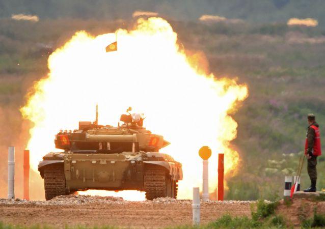 Rusya'da Tank Biatlonu