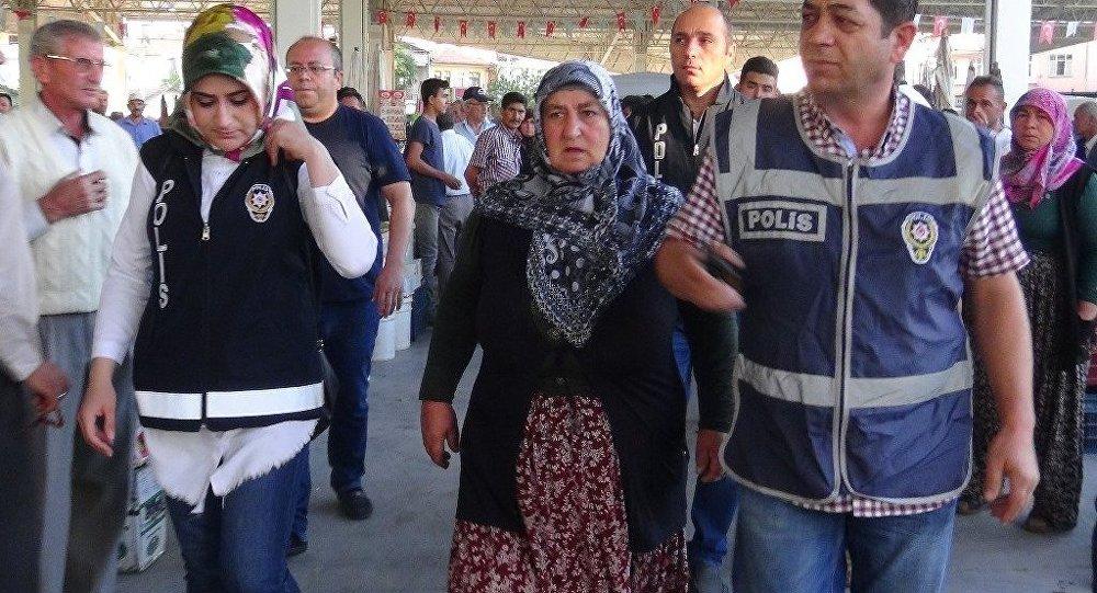 Pazarda sebze satarken FETÖ'den gözaltına alınan Gülen D.