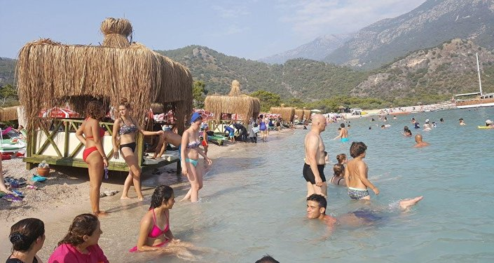 Kumburnu plajına konulan özel localar