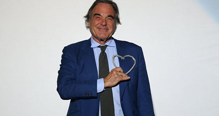 ABD'li yönetmen Stone'a 'Saraybosna'nın Kalbi Ödülü'