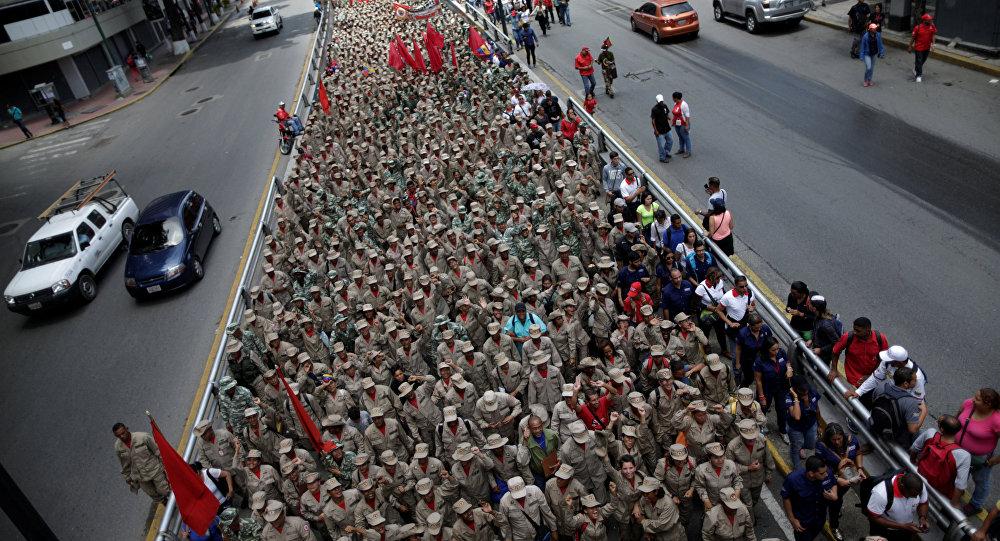 Venezüella'da binlerce kişi Trump'ın açıklamalarına karşı sokağa çıktı