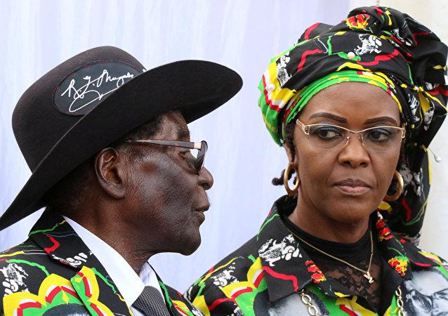 Zimbabwe Devlet Başkanı Robert Mugabe'nin eşi Grace Mugabe