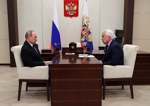 Rusya Devlet Başkanı Vladimir Putin- Birleşik Rusya Duma lideri Vladimir Vasilyev