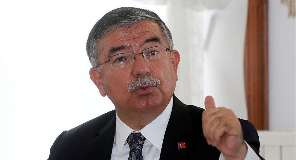 Milli Eğitim Bakanı İsmet Yılmaz