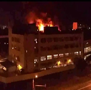 Moskova'da korkutan depo yangını