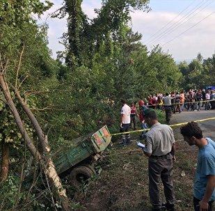 Tarım işçilerini taşıyan traktör devrildi