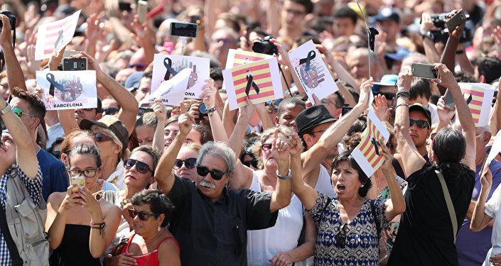 Barcelona'daki saldırıların ardından anma töreni düzenlendi