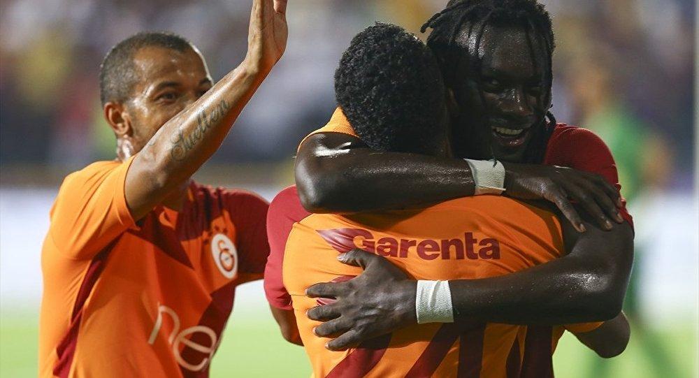 Galatasaraylı futbolcu Bafetimbi Gomis