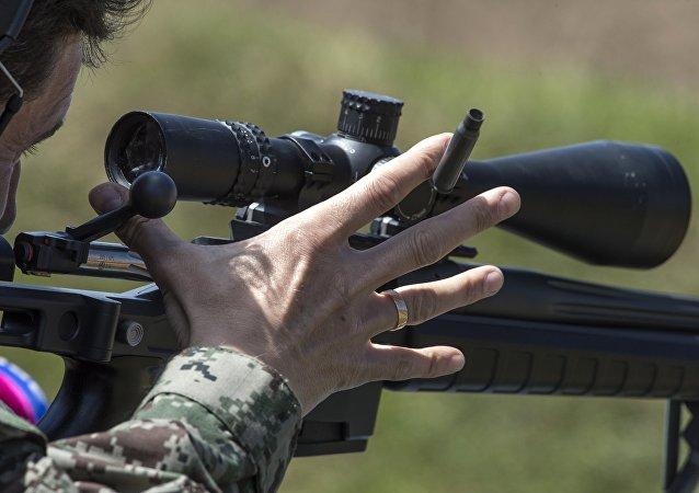 7.62x51, 7.62x67, 8.6x70 milimetre fişekli versiyonları olan T-5000'in maksimum görüş menzili 1650 metre.
