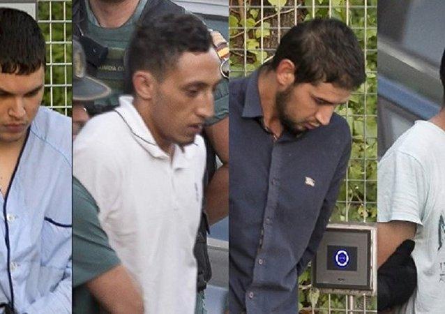(Soldan sağa) Muhammed Huli Şemlal, Driss Ukabir, Salah El Karib, Muhammed Ala